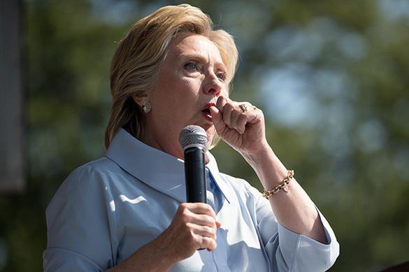 Les médias du monde entier demandent que Clinton quitte la course à la Présidence US